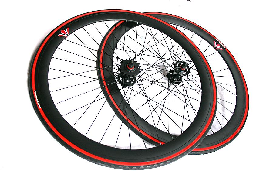 2 roues Fixie pub compatibles avec jantes larges et rayonnage en acier noir