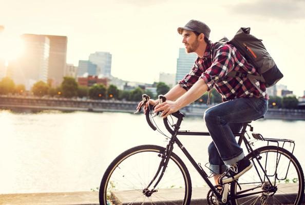 Cycliste qui se déplace