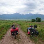 Skema Bike Journey en voyage entre le Kazakhstan et le Kirghizistan