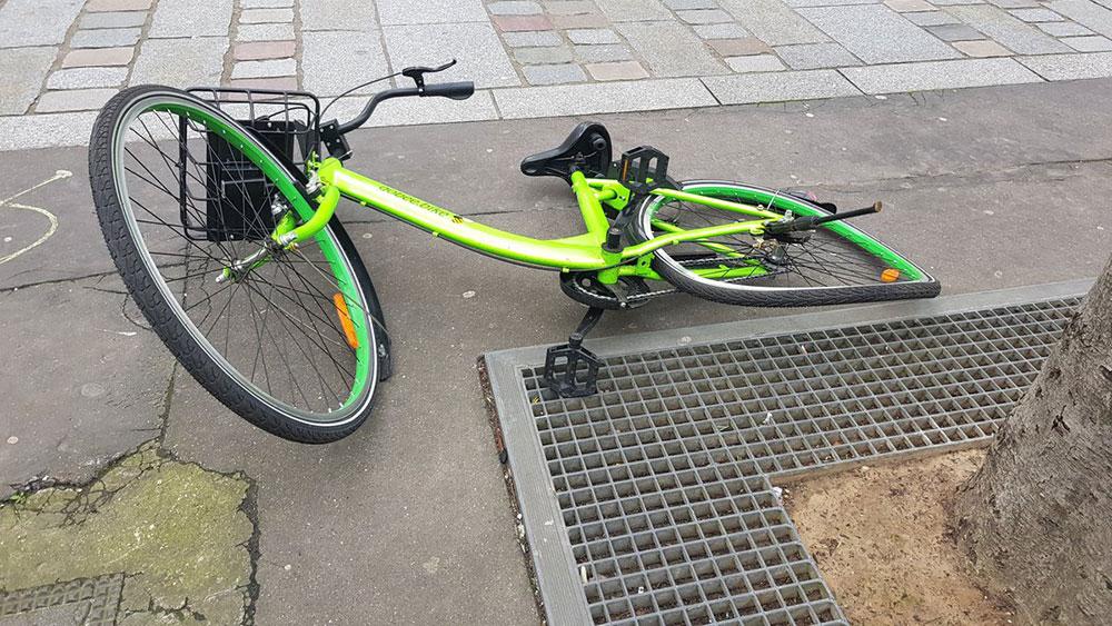 Vélo partagé détérioré