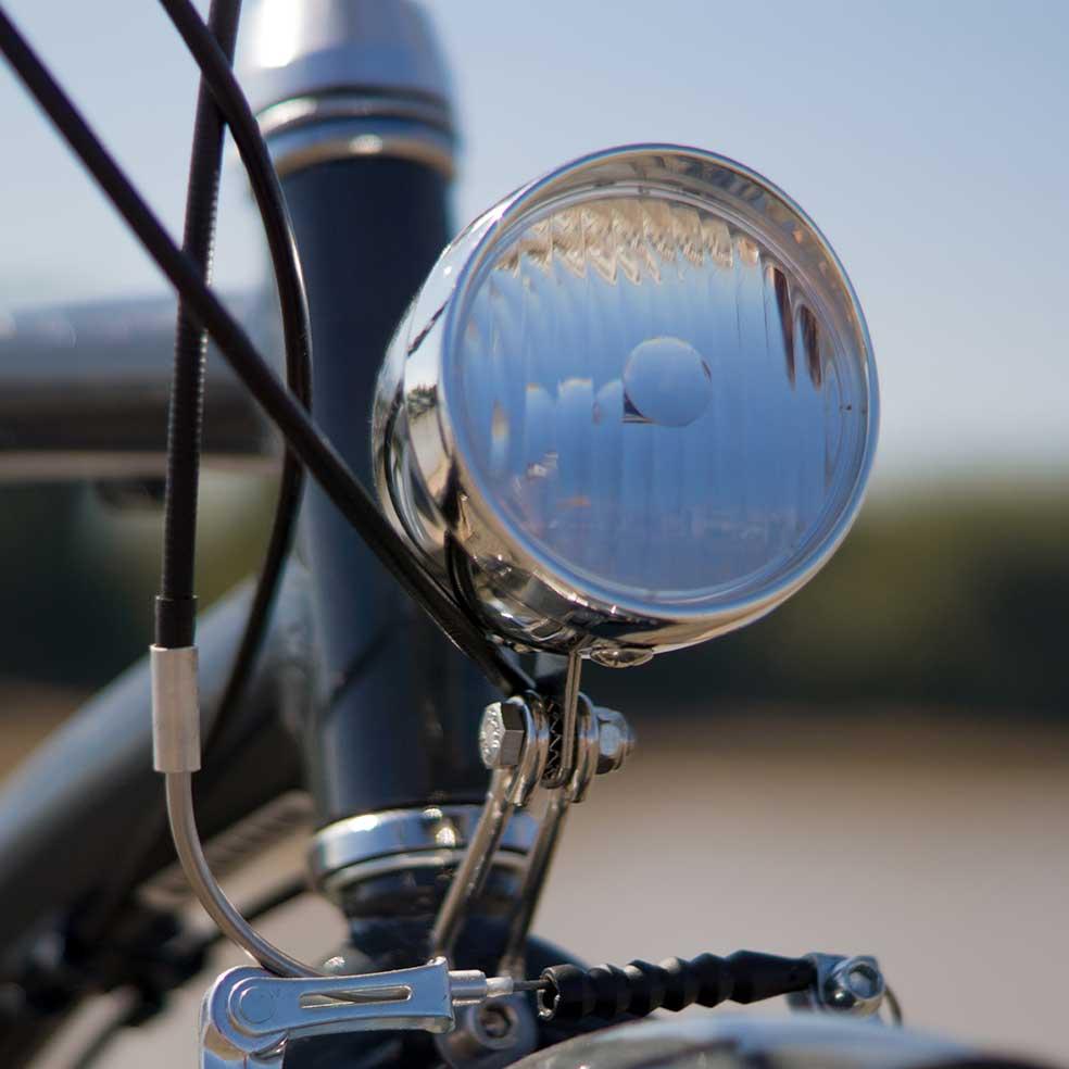 Lumière du vélo de ville Beach Cruiser. Pour rouler lors de vos trajets urbains pour voir et être vu en toute sécurité