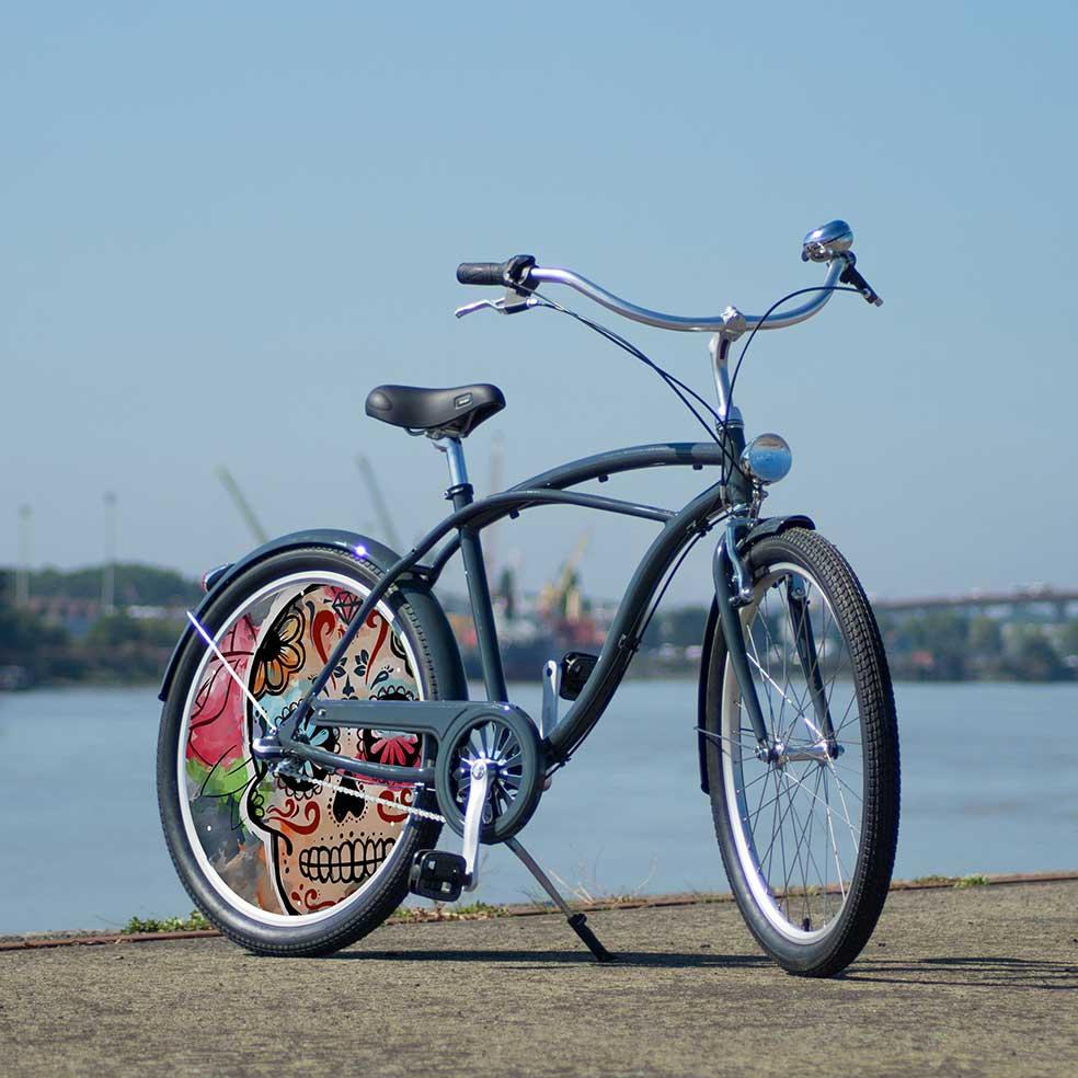 Vélo de collection Esqueleto, vélo de ville Cruiser avec une roue lenticulaire. 1 roue pleine pour vos trajets en ville en vous différenciant