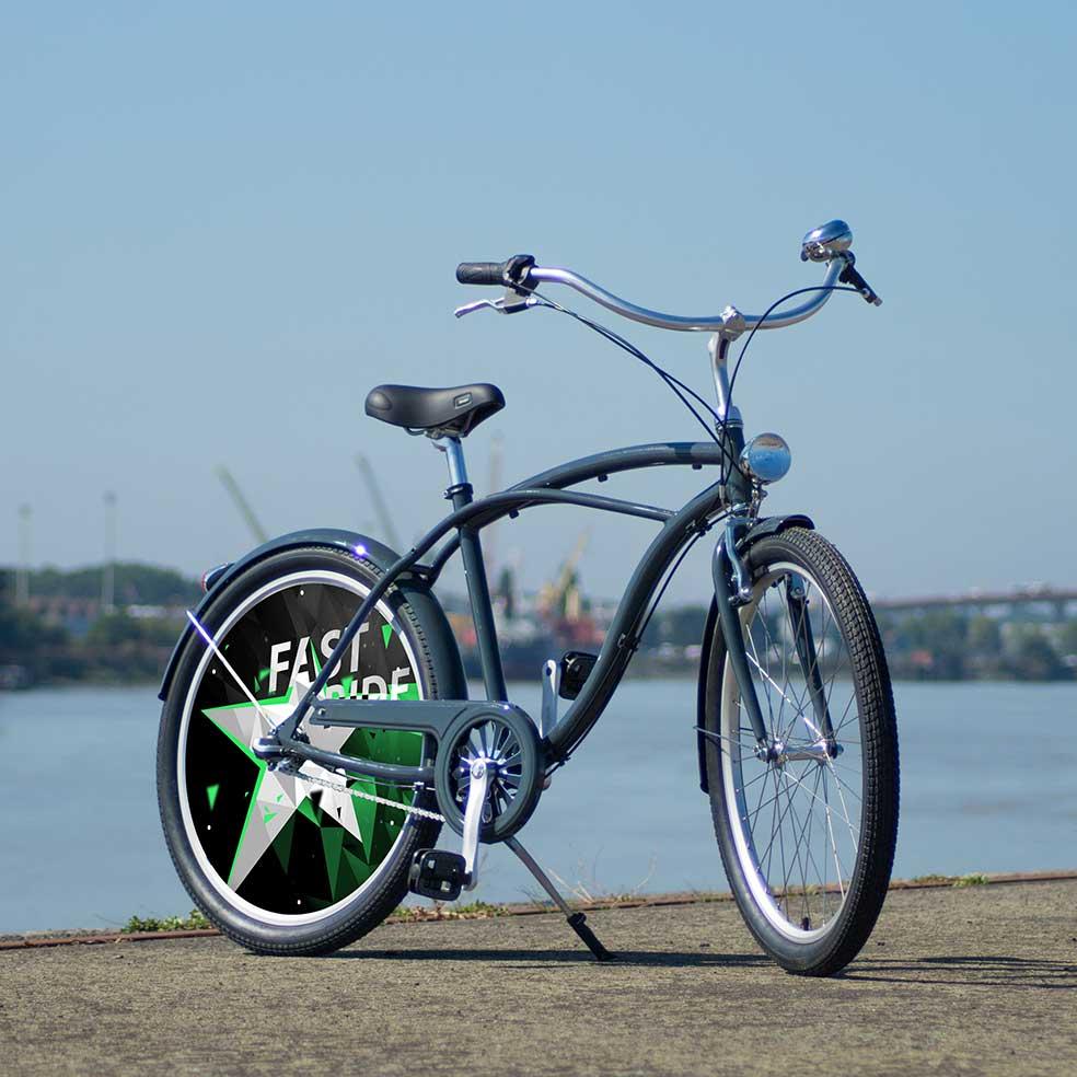 Vélo de collection Fast Ride, vélo de ville Cruiser avec 1 roue arrière pleine. Une roue lenticulaire pour un vélo de fonction destiné à vos collaborateurs