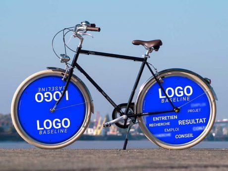 Avec 2 enjoliveurs, ce vélo de ville servira de vélo de fonction pour vos collaborateurs. Vélo Cofee pour effectuer les déplacements domicile - travail pour faire du vélotaf un moyen de se rendre à son entreprise de la meilleure des manières