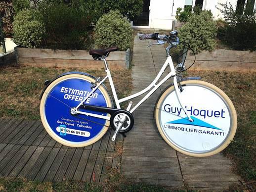 15 agences Gui Hoquet se sont procurées des vélos électriques de chez Ecovélo ! Des VAE E-Colors pour comme vélos de fonction pour cette entreprise