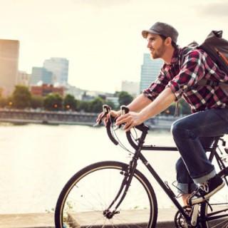 Cycliste en déplacement